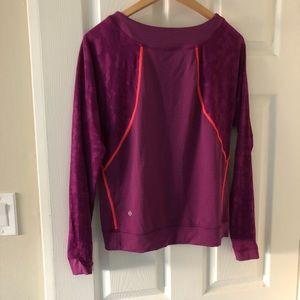 Lululemon 6 or 8 purple Camo long sleeve top EUC